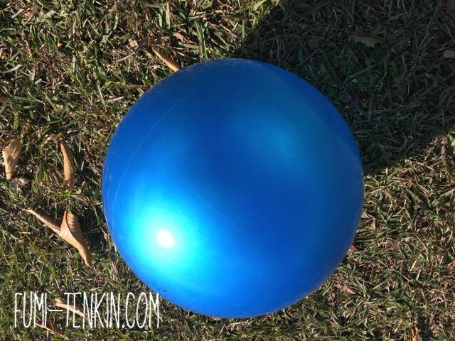 産後のお腹が戻るように利用してほしいボール