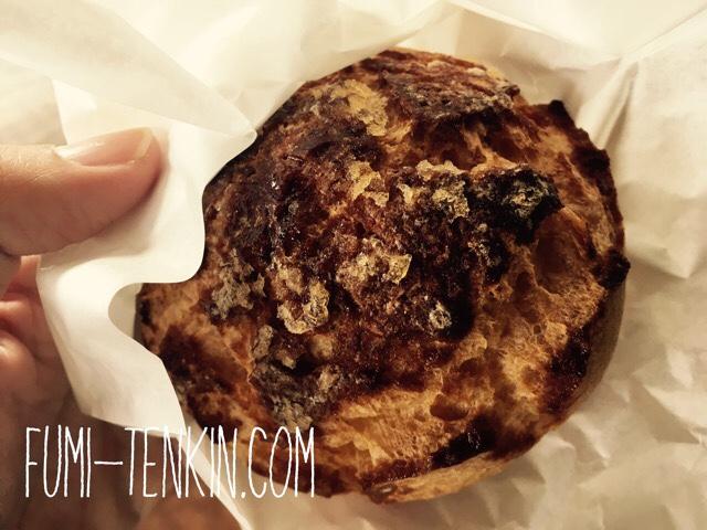 広島の牧場トムミルクファームのシュークリーム